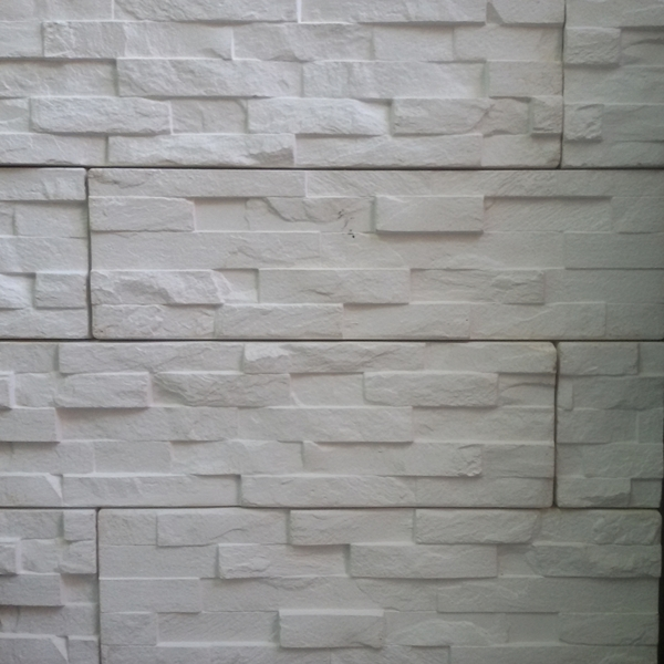 Fachada piedra y revestimiento plastico revestimiento - Pared interior piedra ...